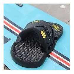 Shinn pads/straps sneaker